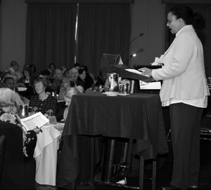 Photo of Ms Feyi Akindoyeni delivering a keynote speech on 'Message matters—now more than ever' at the iLead Conference in May 2012. Feyi Akindoyeni is a corporate strategist with experience in market and social research, and marketing strategy specialising in the education, youth and IT sectors.