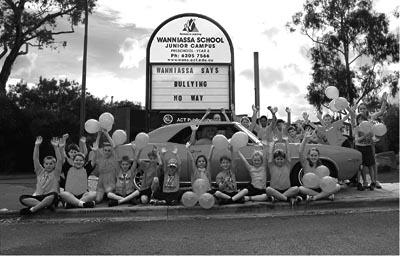 Photo of Wanniassa Junior School students celebrating